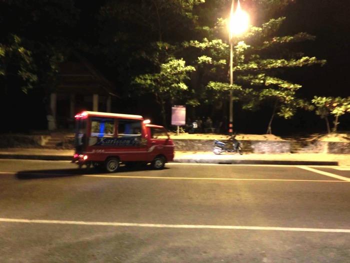 プーケット トゥクトゥク タクシー