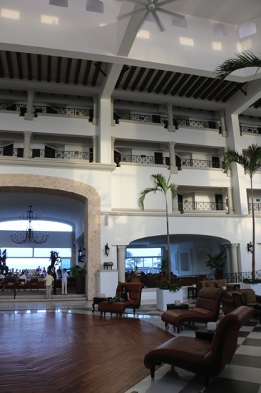Hyatt Zilara Cancun ロビー