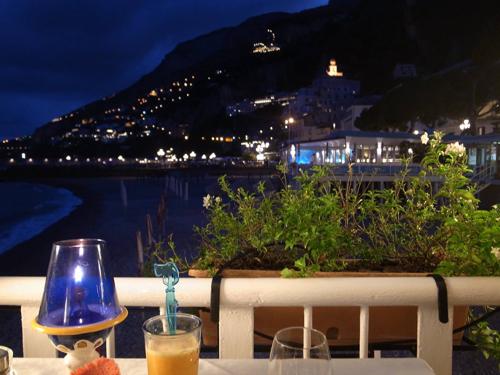 アマルフィの海沿いレストラン