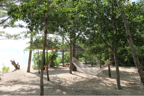 シックスセンシズ ニンバンベイの砂浜