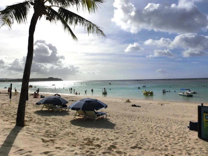 グアムの海とビーチ