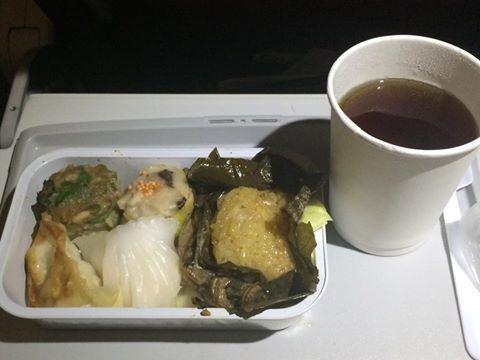 香港エクスプレス 機内で飲茶