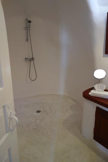 ペリヴォラスのシャワー