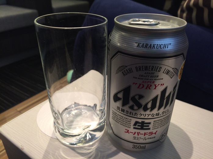 成田空港ラウンジ アルコール