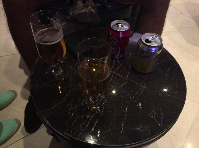 ラウンジのアルコール