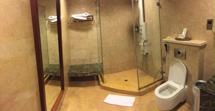 アブダビラウンジのシャワールーム